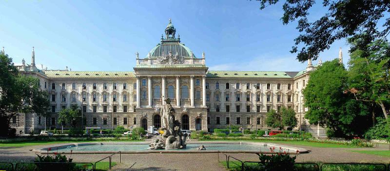 Style architektoniczne: neobarok. Pałac sprawiedliwości.