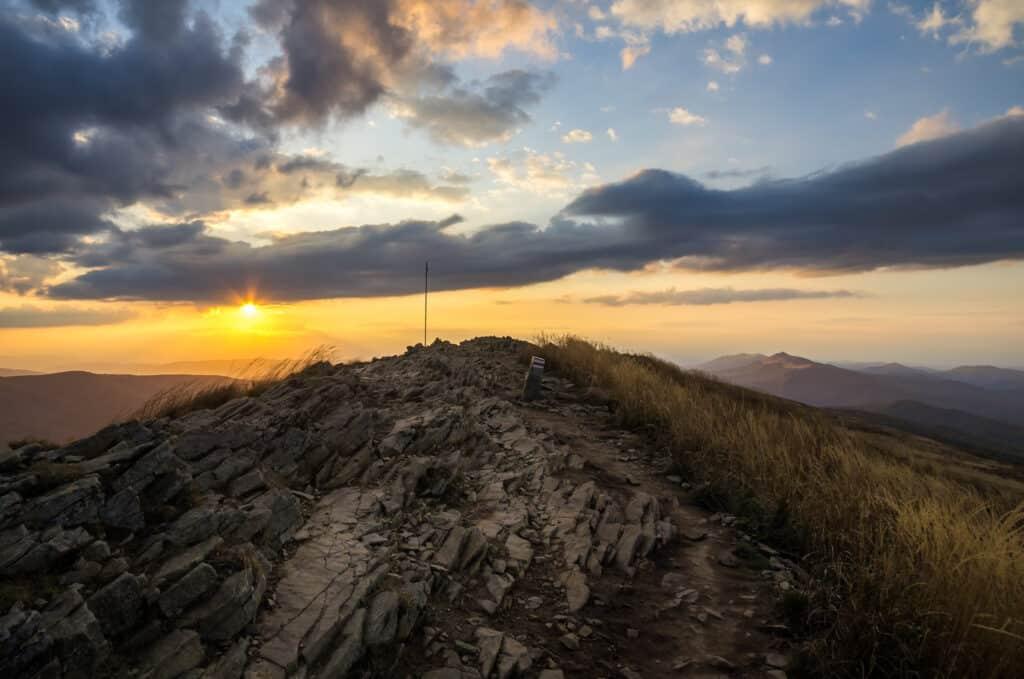 Parki narodowe w Polsce: Bieszczadzki Park Narodowy, na zdjęci najwyższy szczyt - Tarnica